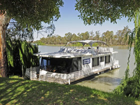Moving Waters Self Contained Moored Houseboat - tourismnoosa.com