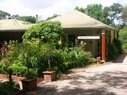 Treetops Bed And Breakfast - tourismnoosa.com