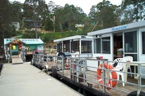 Clyde River Houseboats - tourismnoosa.com