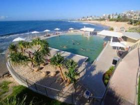 Kings Beach - Beachfront Salt Water Pool - tourismnoosa.com