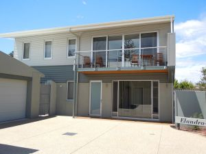 Elandra Holiday Home - tourismnoosa.com