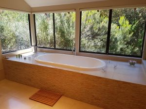 Jarrah Grove Forest Retreat - tourismnoosa.com